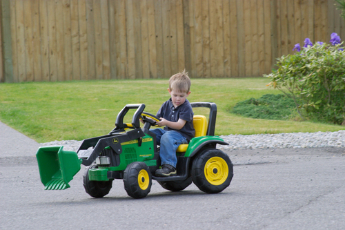 Sam_on_tractor
